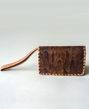 handcrafted-luxury-made-in-africa-robin-sirleaf-wristlet-mende-coin-purse