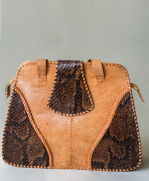 handcrafted-luxury-made-in-africa-robin-sirleaf-mende-bag-by-sareptha-rose-10